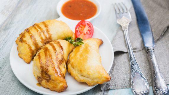 Empanadas rellenas típicas de Perú