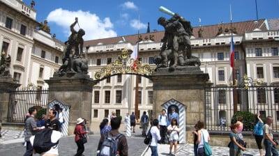 Entrada a castillo de Praga
