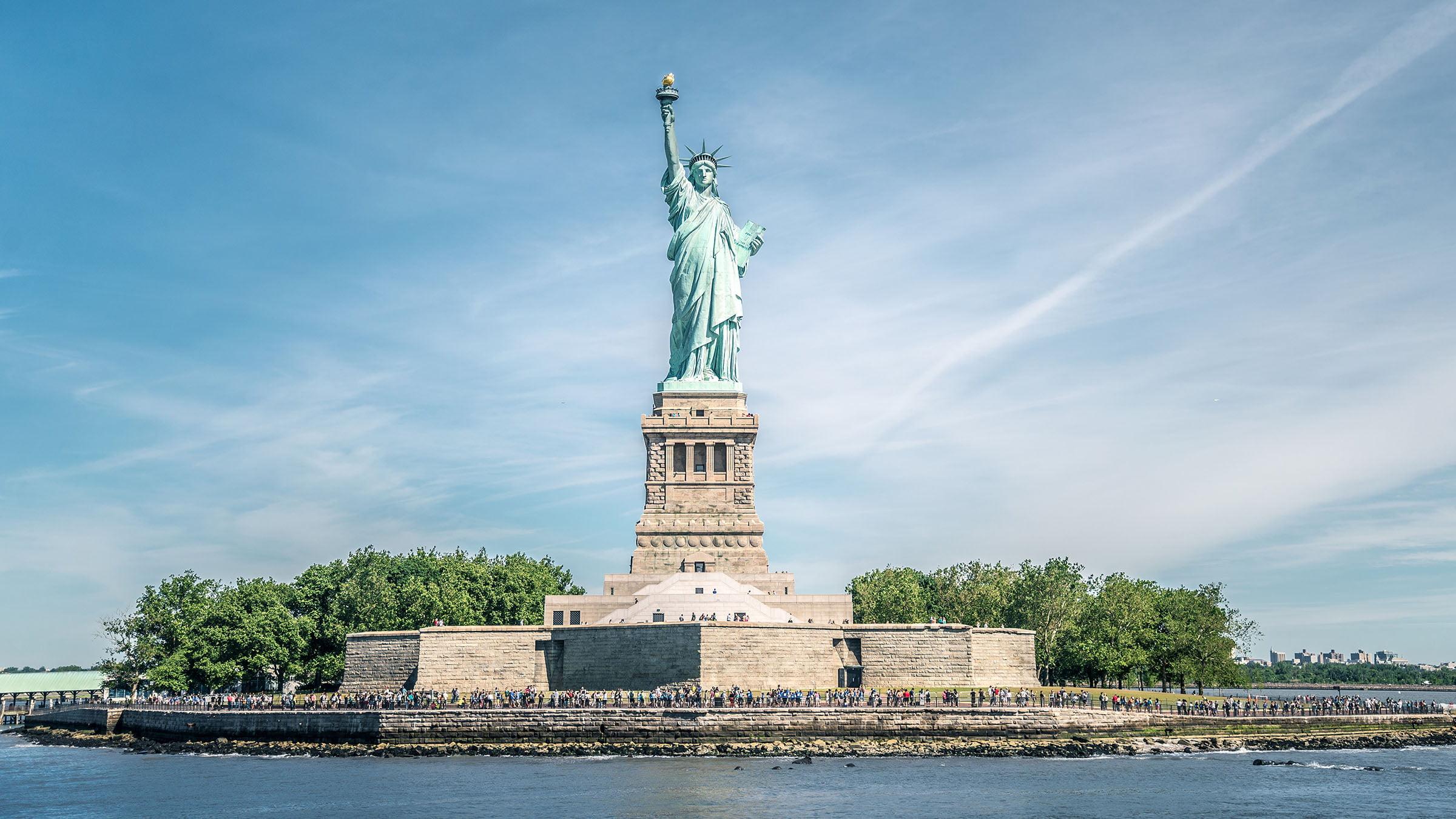 Estatua de la Libertad y Manhattan