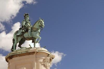 Estatua de la Plaza de Comercio de Lisboa