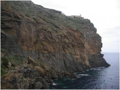Faro de Ustica