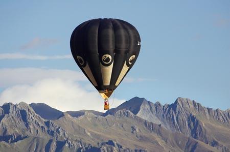 Foto en globo por laas montañas de Wanaka, Nueva Zelanda