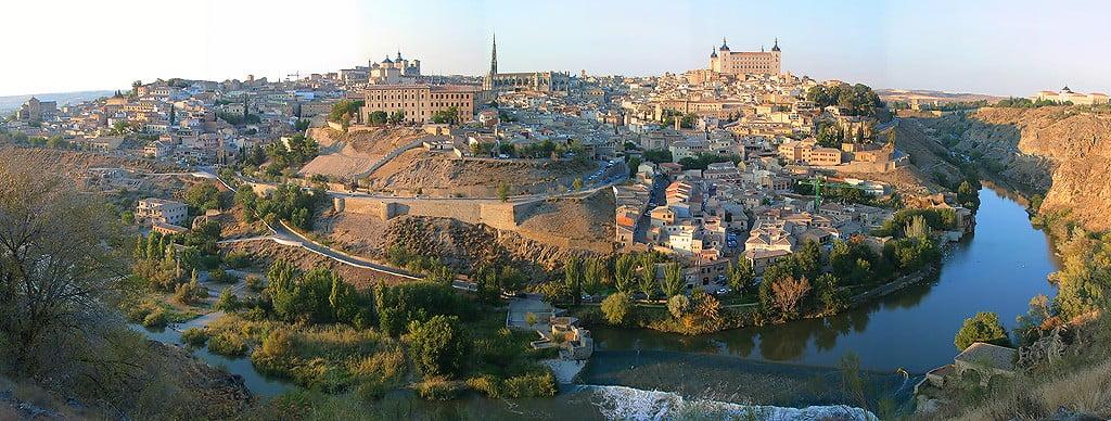 Toledo espa a for Oficina de turismo de toledo capital