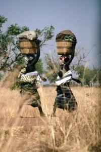 Fotos de Burkina Faso mujeres camino al mercado
