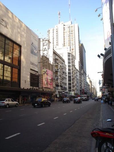 Gran Rex, Avenida Corrientes de Buenos-Aires