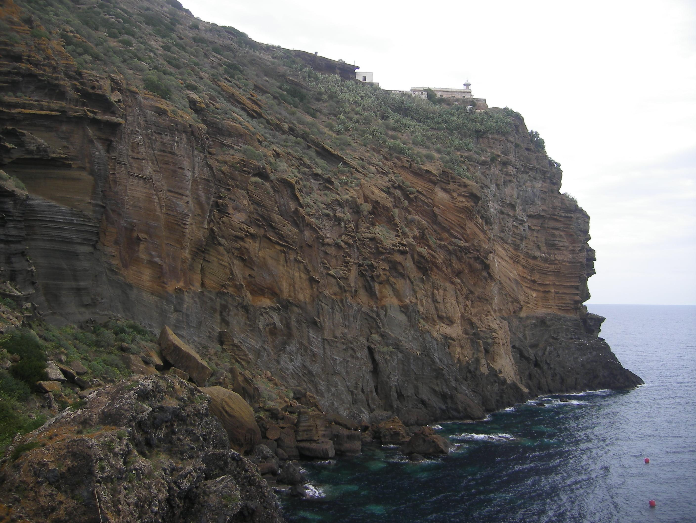 Guía turística de Isla de Ustica