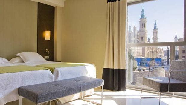 Habitaci n con vistas del hotel nh ciudad de zaragoza for Hotel habitacion familiar zaragoza