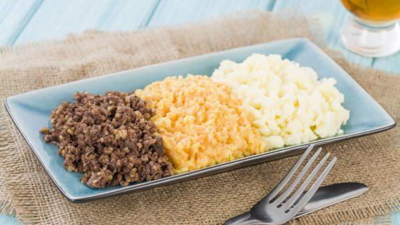 Haggis, neeps y tatties típicos de Escocia