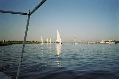 hora Egipto por el río Nilo