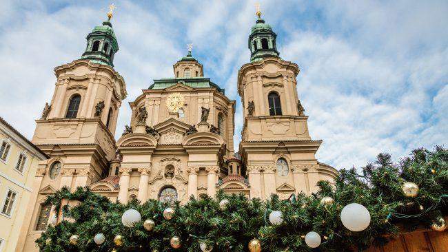 Iglesia de San Nicolás, en la Plaza de la Ciudad Vieja, Praga