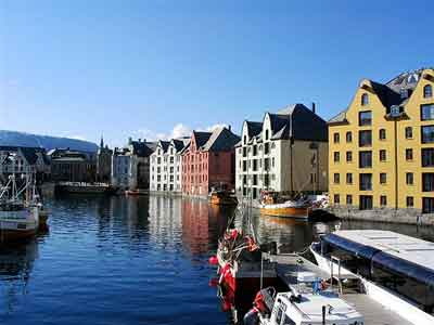 Imagenes de las hermosas casas de Alesund