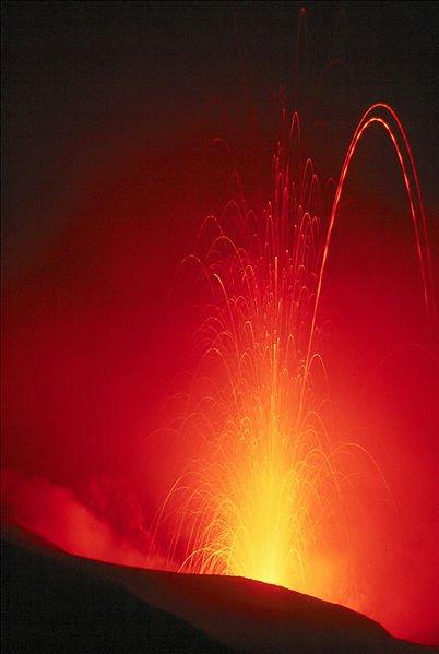 imagenes de volcanes erupción del Stromboli