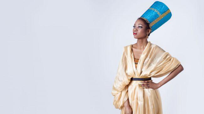 Indumentaria típica de Egipto: traje de la reina Nefertiti