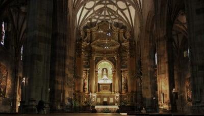 Interior de la Basílica de Begoña en Bilbao