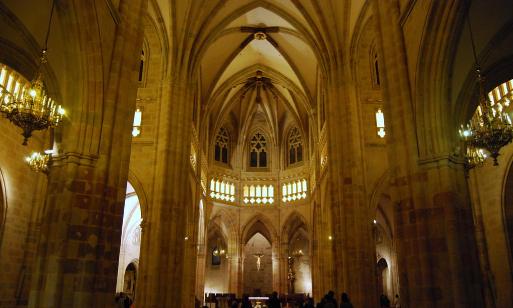 Interior de la Catedral de Santiago en Bilbao
