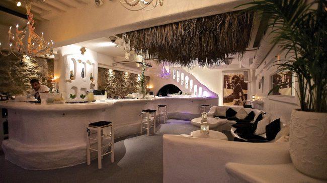 Interior del JackieO' Bar de Mykonos