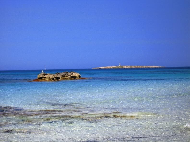 Islotes frente a Espalmador