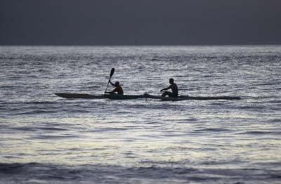 Kayak en Cantabria atardecer