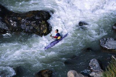 Kayak en Cantabria descenso