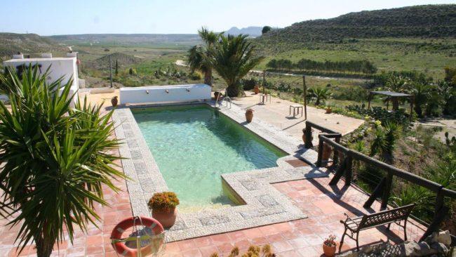 La playa de los muertos almer a c mo llegar informaci n y fotos - Hotel los patios almeria ...
