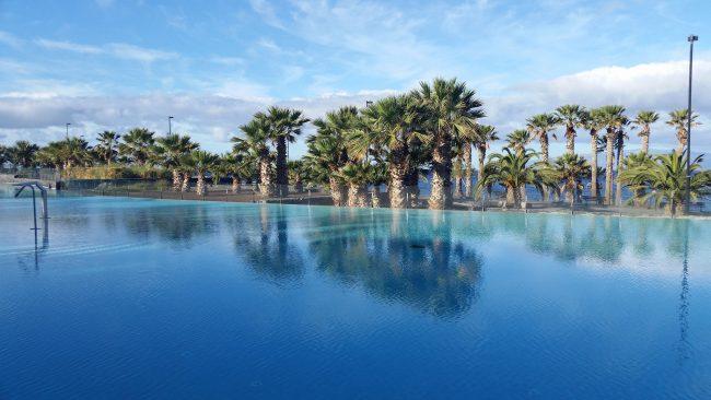 Los hoteles donde no se admiten ni os for Follando en la piscina del hotel