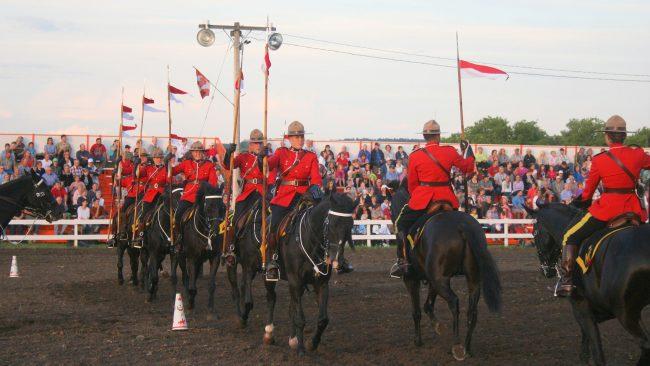 A policía montada canadense: un referente nacional