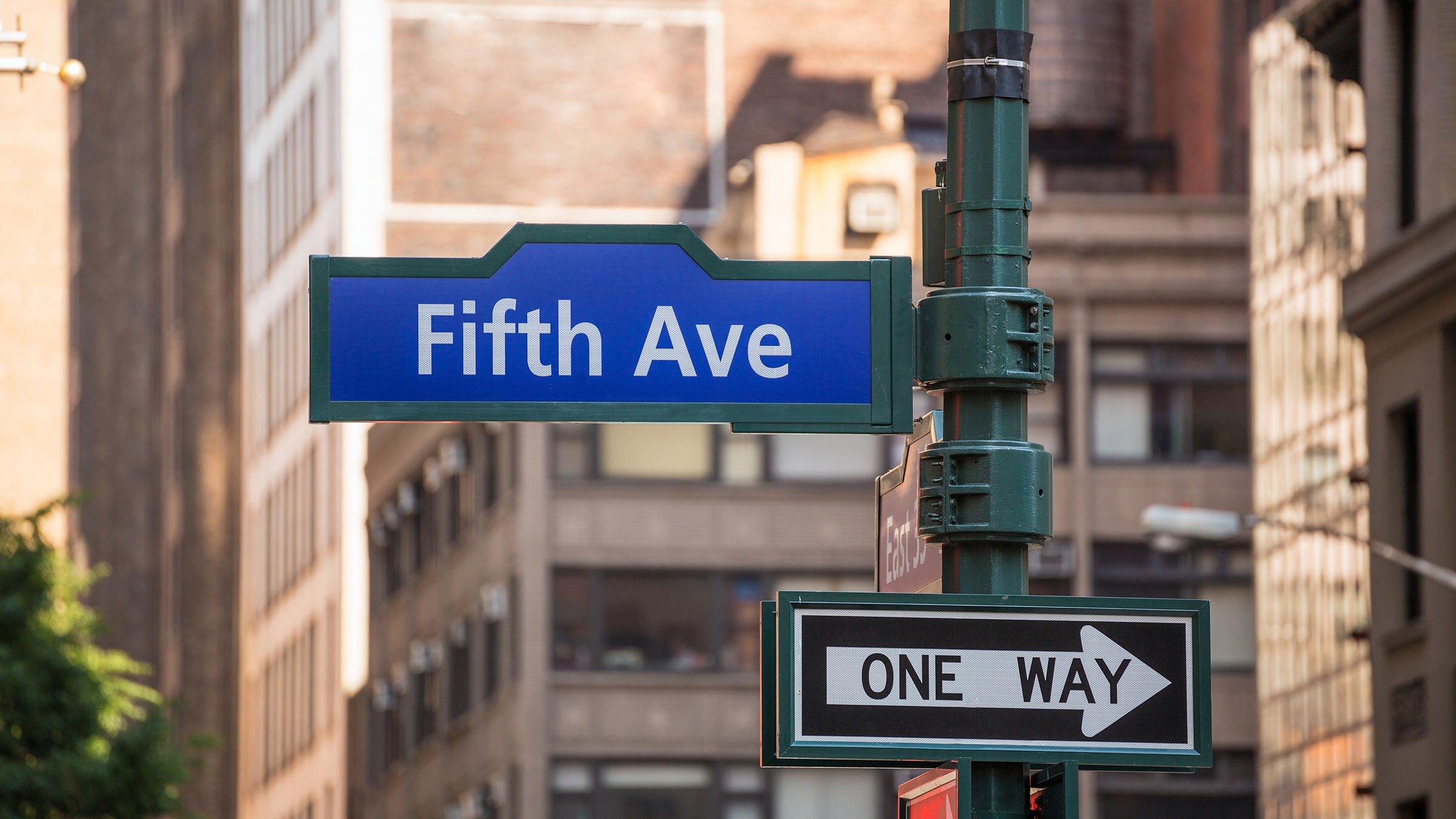 La Quinta Avenida La Calle De Las Compras En Nueva York