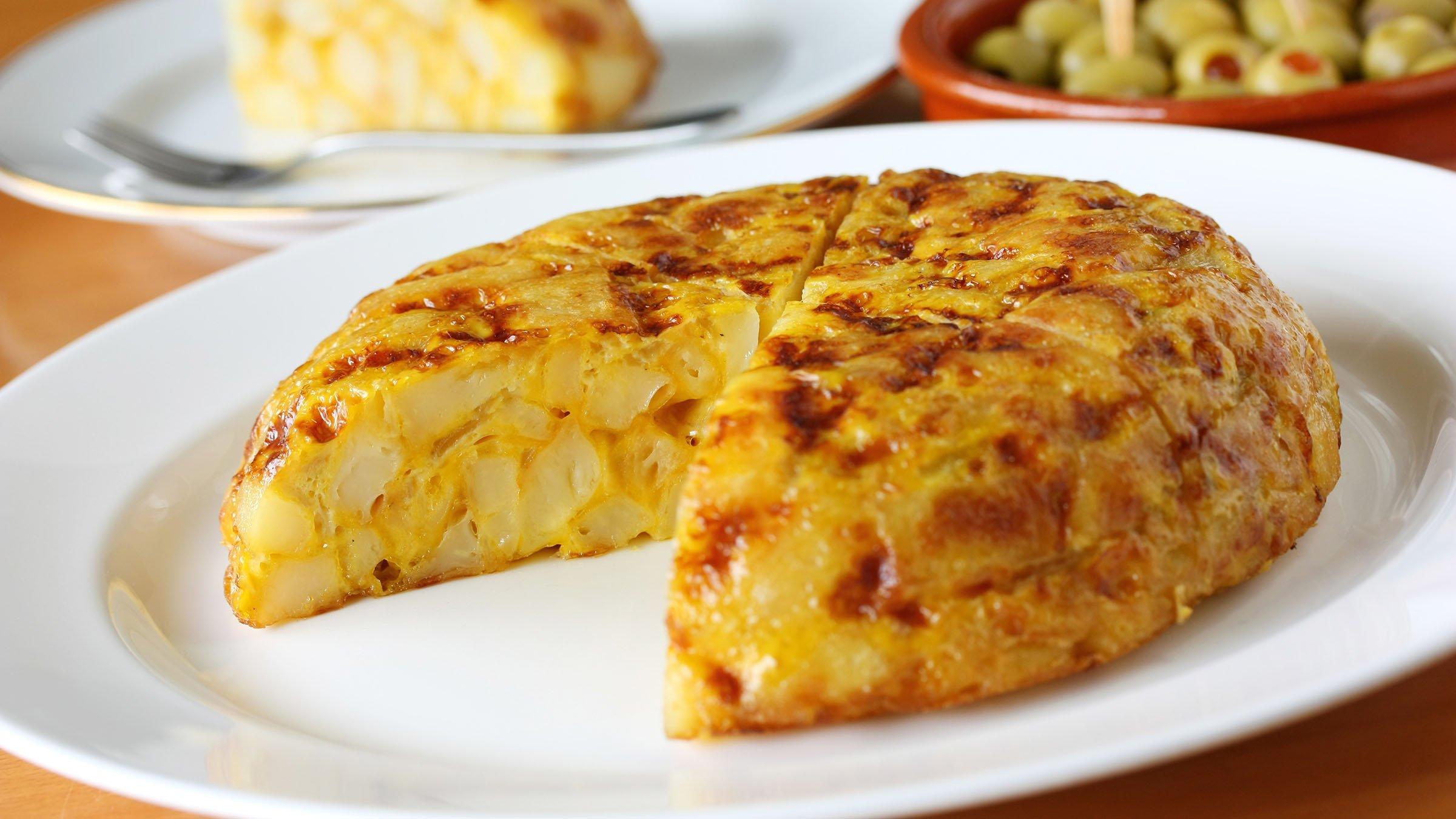 la-tortilla-de-patatas-el-plato-mas-famo