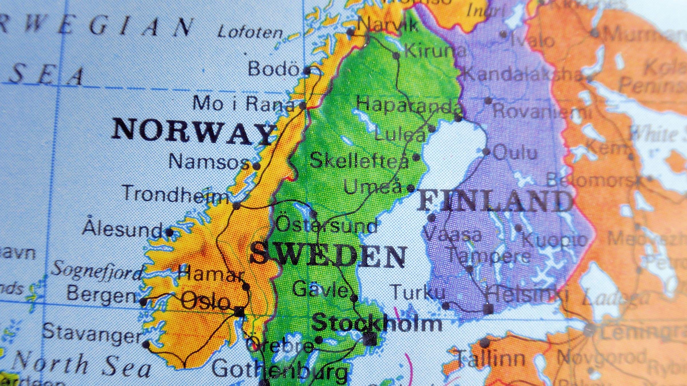 suecia map with Mapas Finlandia on Mapas Del Mundo moreover Split Trogir Y Las Islas De Croacia furthermore Mappa Stoccolma as well Paises Y Capitales De Europa moreover In Dark In Light Snow Run In Stockholm.