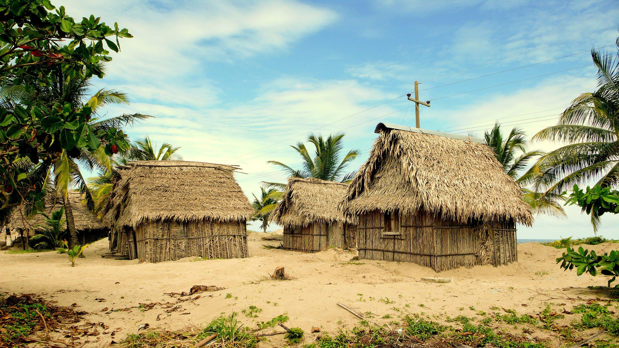Las casas t picas de los garifunas - Casas en pueblos ...