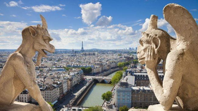 Die berühmten Wasserspeier oder Schimären von Notre Dame, Paris
