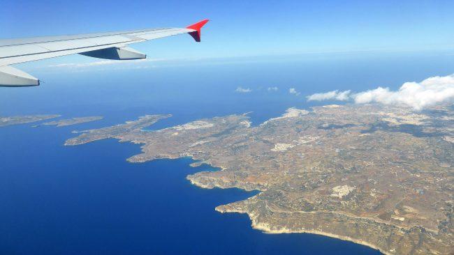 Llegada a Malta en avión o barco