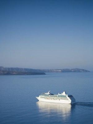 Los barcos de los cruceros  zarpando
