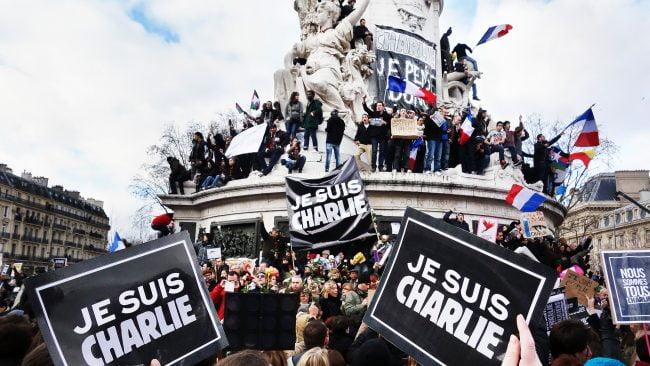 Manifestación tras atentado contra Charlie Hebdo en París