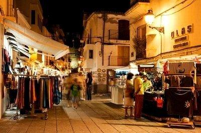Marcha en Ibiza calles