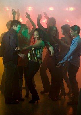 Marcha en Sevilla bailando