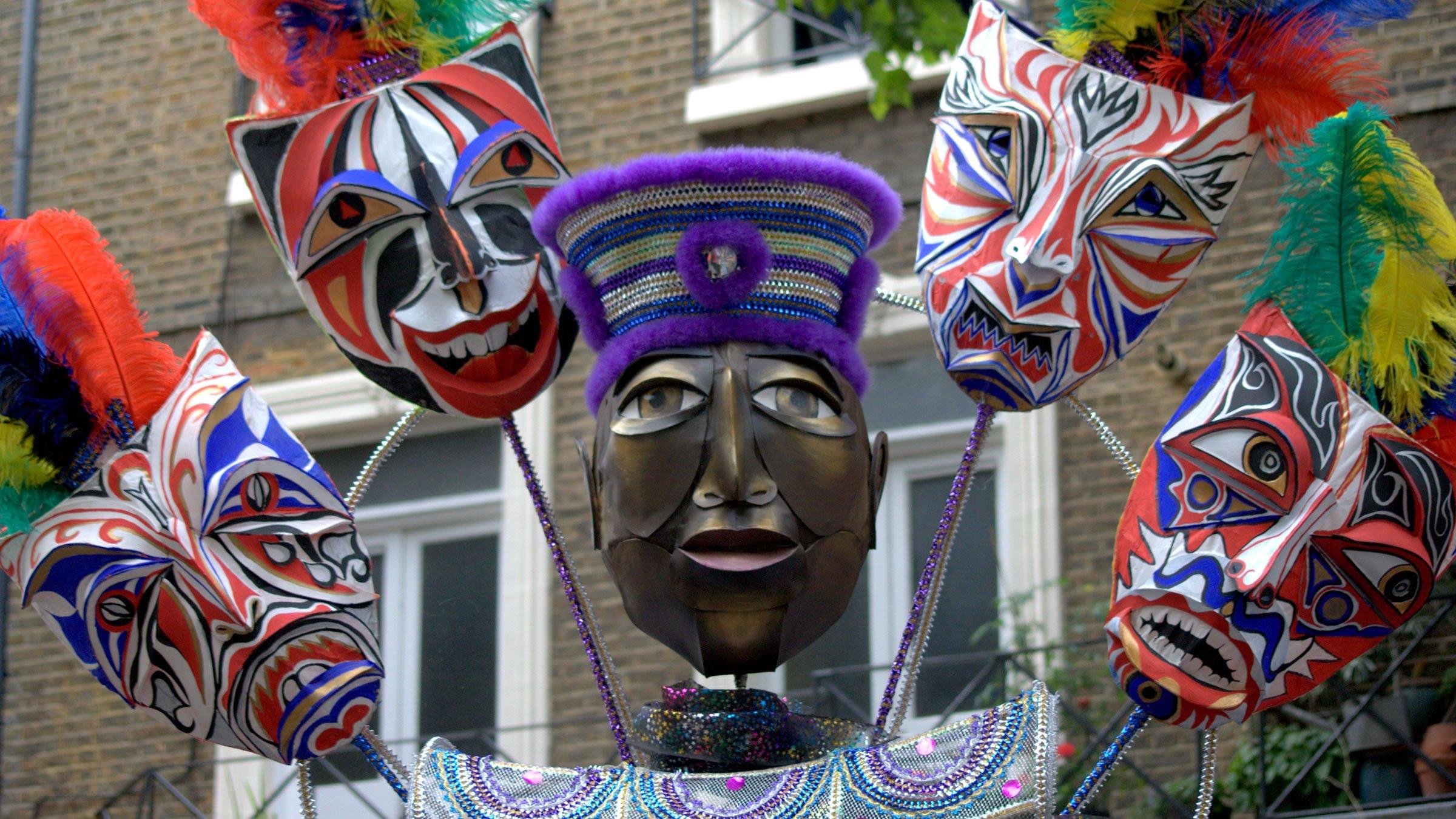 m u00e1scaras en el carnaval de notting hill