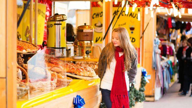 Mercadillo navideño de París en diciembre