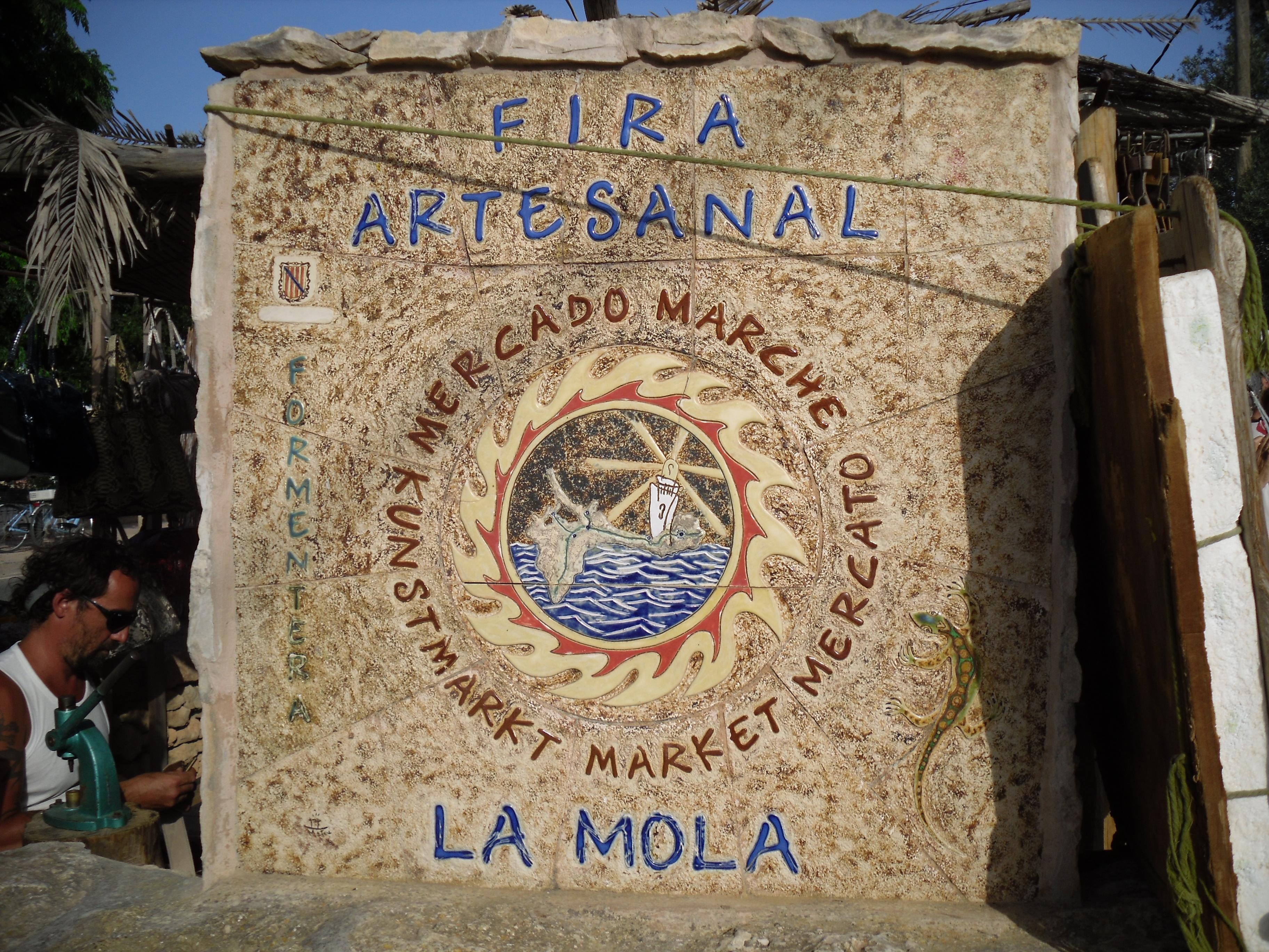 Mercado artesanal de La Mola