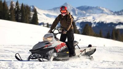 moto de nieve en astun