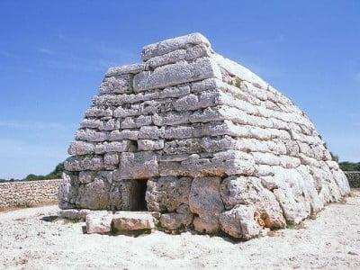 Naveta de Es Tudons en Menorca