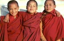 Niños Monjes, Asia