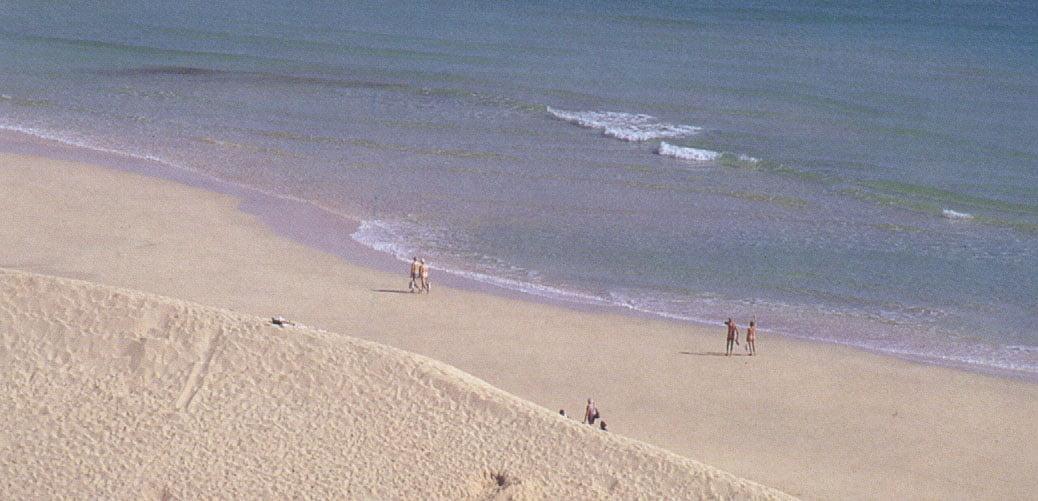Nudismo en playa del Matorral