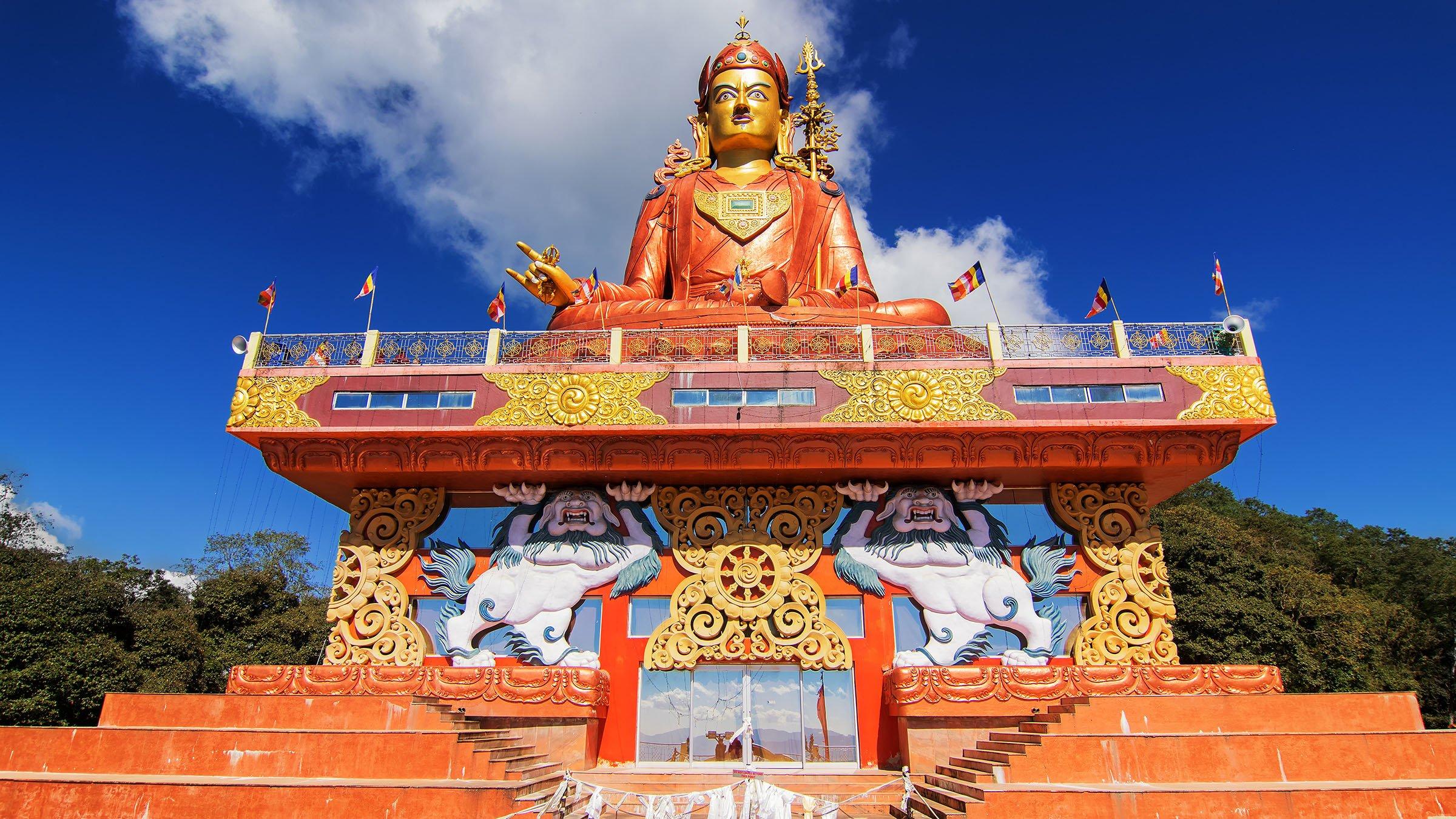 paisajes de la India Estatua de Padmasambhava Samdruptse