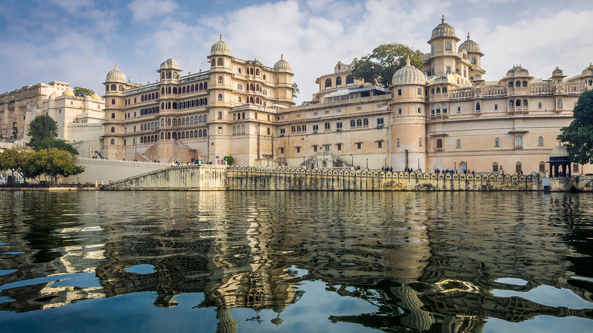 paisajes de la India Palacio en el lago Pichola