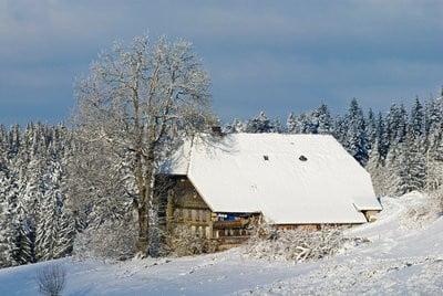 paisajes invernales una casa