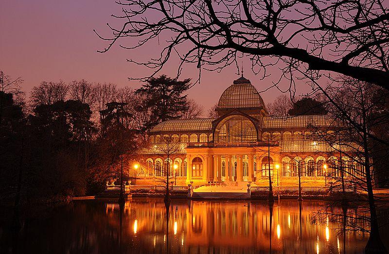 palacio de cristal de noche