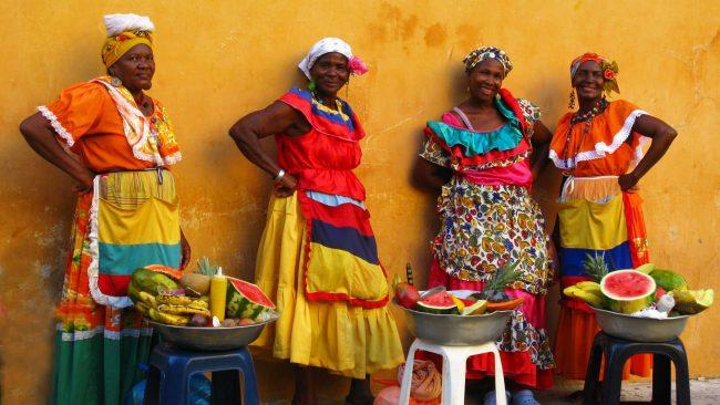 來自哥倫比亞的Palenqueras,身著典型服裝