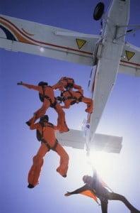 paracaidismo lanzandose de la avioneta