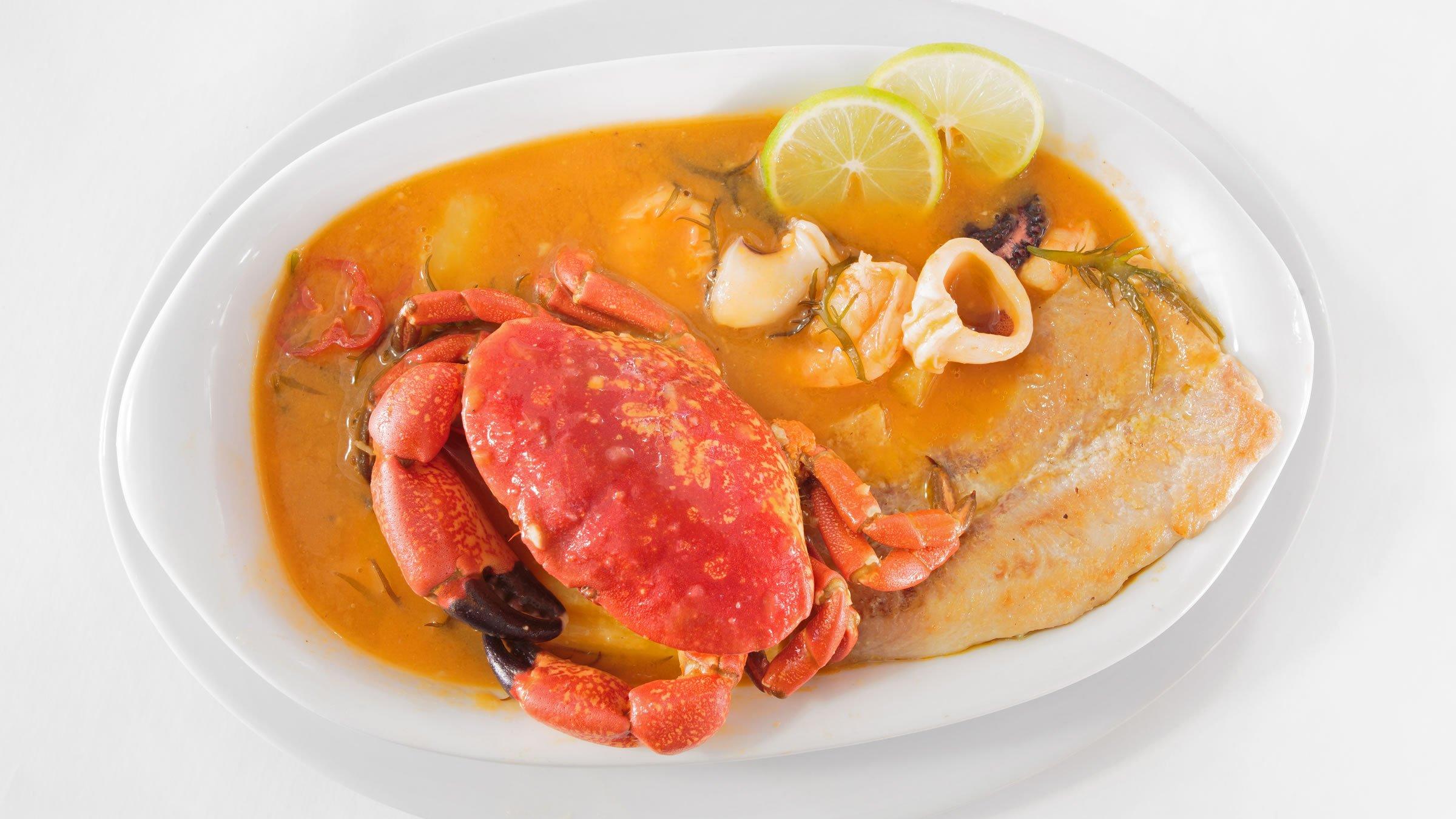 Parihuela sopa peruana de pescado y marisco - Sopa de marisco y pescado ...